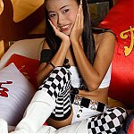 Asian Thainee Rides The Sybian