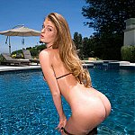 Faye Reagan Sexy Bikini Model